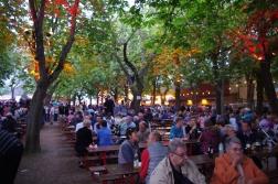 Vue générale de la fête du vin à Rodheim