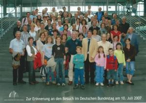 Groupe franco-allemand présent lors de la visite du Bundestag à Berlin.