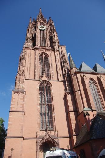 Kaiserdom ( Cathédrale impériale de Frankfurt 95m)