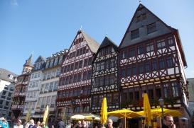 Römerberg ! (Ostzeile) Maisons à colombages reconstruites en 1986 à Frankfurt.