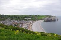 Vue panoramique sur la ville d'Etretat et ses falaise ! 2012