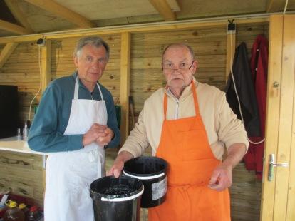 membres et adhérents du jumelage assurant la restauration