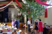Samedi 27 mai : La soirée officielle à Gaukönigshofen ! la salle est décorée aux couleurs de la Franconie !  Samstag, der 27. Mai: der offizielle Abend Gaukönigshofen! Der Saal ist mit den Farben Franken dekoriert!